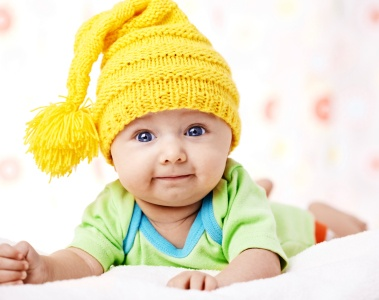 baby-with-hat-contact